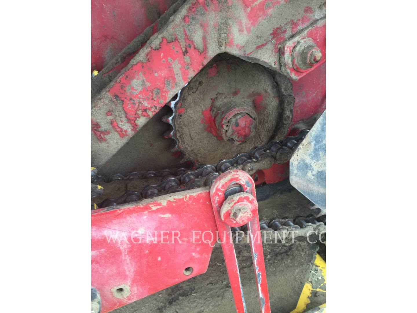 Detail photo of 2012 New Holland BR7090 from Construction Equipment Guide