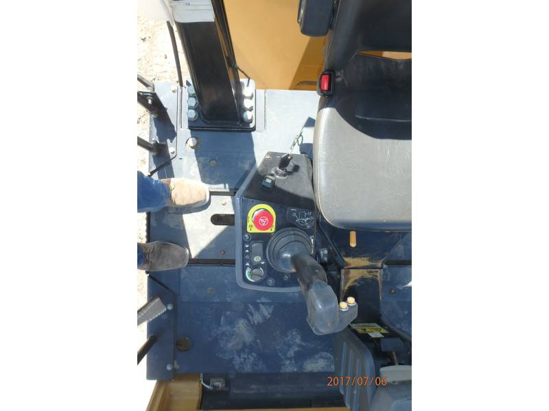 CATERPILLAR TANDEMVIBRATIONSWALZE, ASPHALT CB64 equipment  photo 14