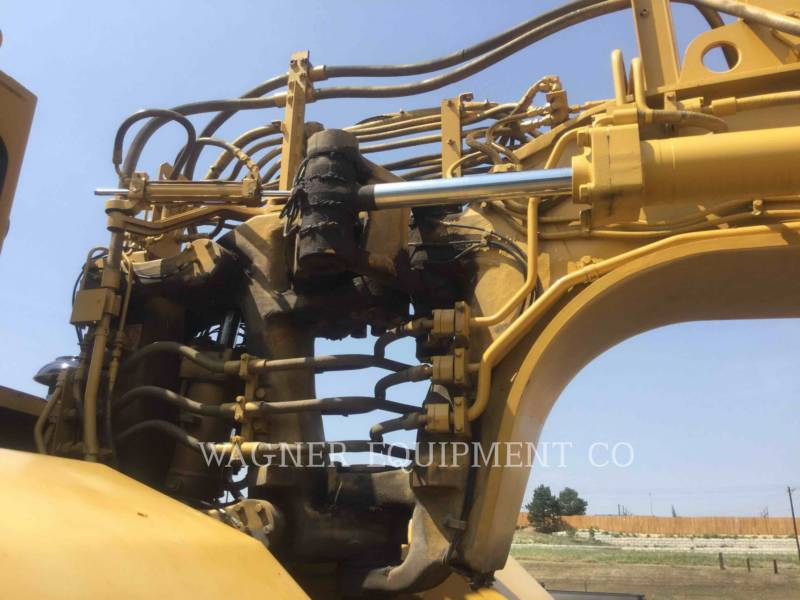 CATERPILLAR TRACTORSCHRAPERS OP WIELEN 621F equipment  photo 7