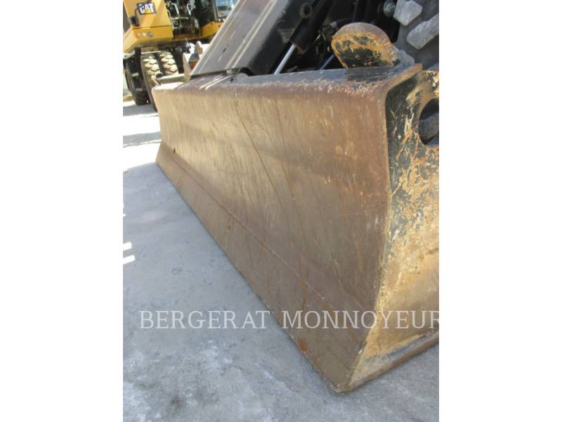 CATERPILLAR ESCAVATORI GOMMATI M313D equipment  photo 6