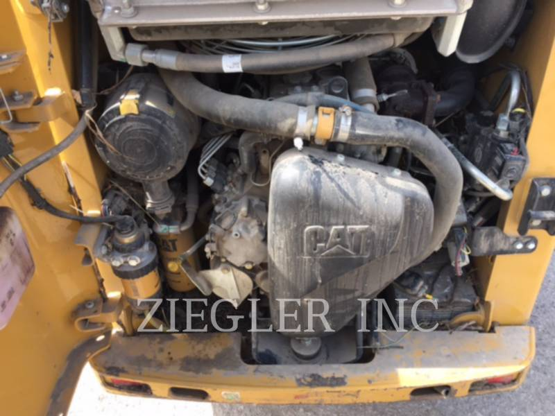CATERPILLAR CHARGEURS COMPACTS RIGIDES 226B3 equipment  photo 8