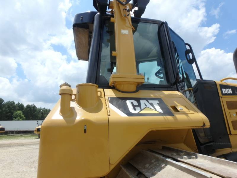 CATERPILLAR CIĄGNIKI GĄSIENICOWE D6NLGP equipment  photo 20