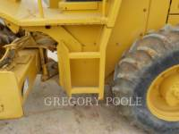 CATERPILLAR COMPACTEUR VIBRANT, MONOCYLINDRE À PIEDS DAMEURS CP-433C equipment  photo 6