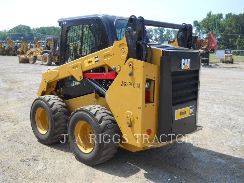 CATERPILLAR PALE COMPATTE SKID STEER 242D A equipment  photo 3