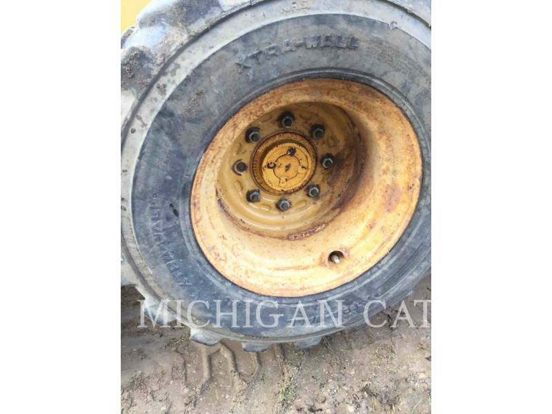 JOHN DEERE CHARGEURS COMPACTS RIGIDES 8875 equipment  photo 11