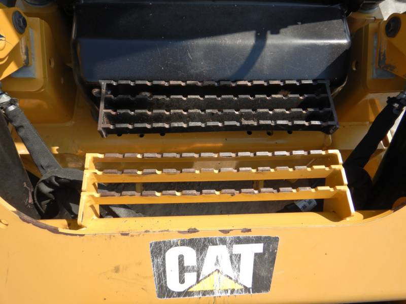 CATERPILLAR PALE CINGOLATE MULTI TERRAIN 299 D 2 equipment  photo 24