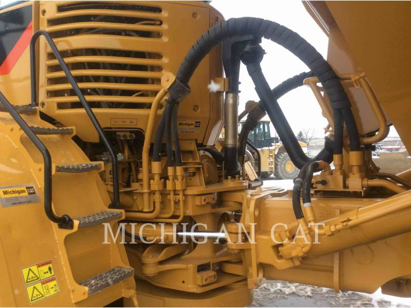 CATERPILLAR CAMIONES ARTICULADOS 740 equipment  photo 14
