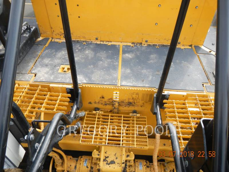 CATERPILLAR PAVIMENTADORA DE ASFALTO AP1055E equipment  photo 13