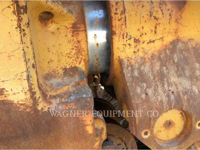 CATERPILLAR TRACTEURS SUR CHAINES D8T equipment  photo 23