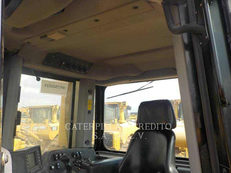 CATERPILLAR TRATTORI CINGOLATI D8T equipment  photo 10
