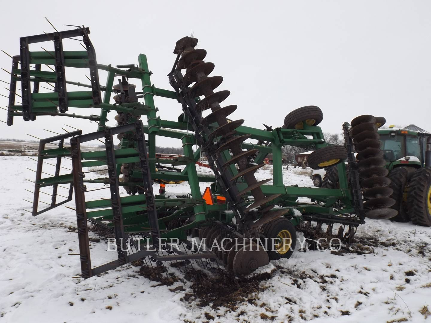 Detail photo of 2005 John Deere 637 from Construction Equipment Guide