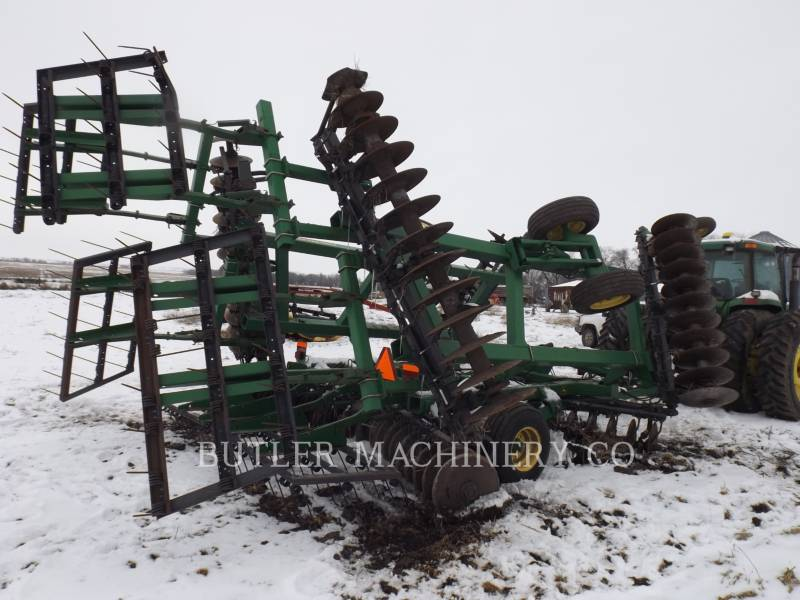 DEERE & CO. AG TILLAGE EQUIPMENT 637 equipment  photo 3