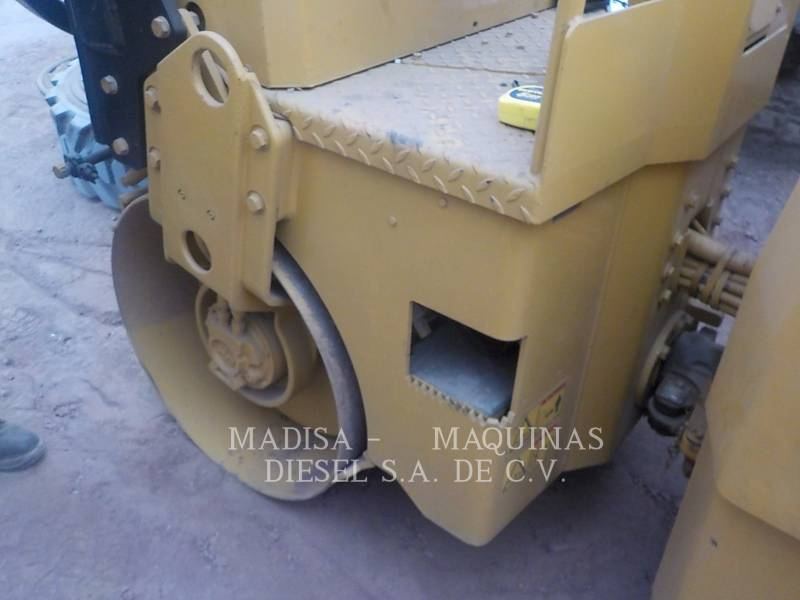 CATERPILLAR コンパクタ CB22 equipment  photo 10