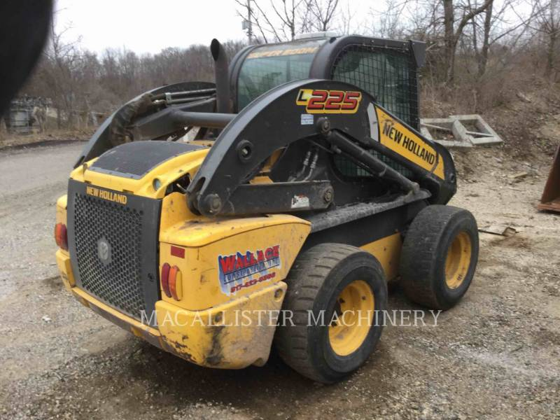 NEW HOLLAND LTD. CHARGEURS COMPACTS RIGIDES L225 equipment  photo 3
