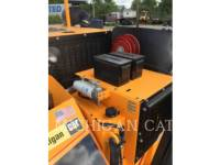 LEE-BOY ASPHALT PAVERS 8515C equipment  photo 19
