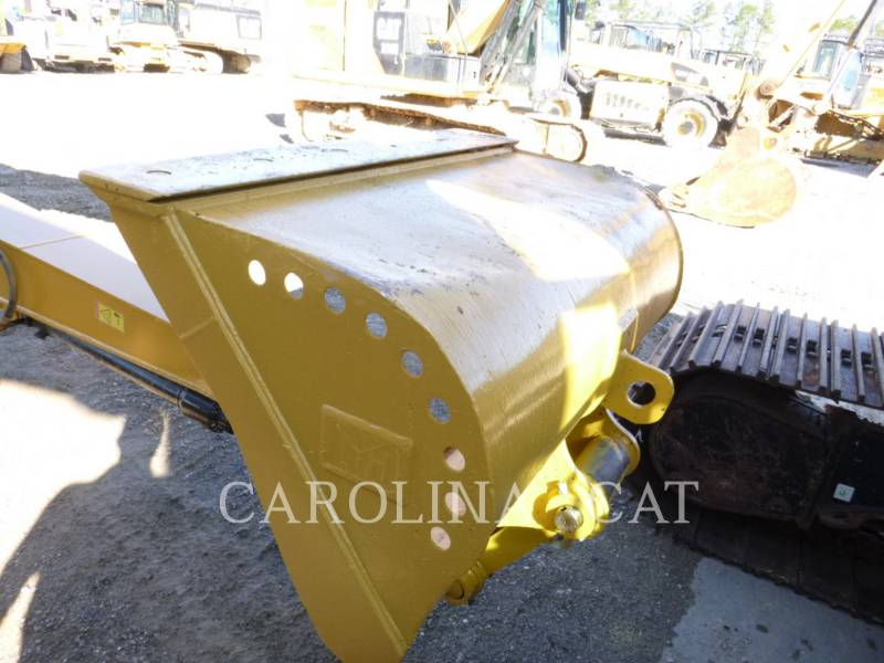 CATERPILLAR TRACK EXCAVATORS 326FL LR equipment  photo 4