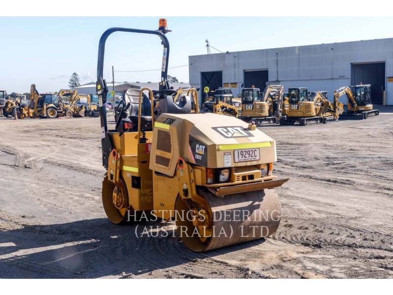 CATERPILLAR TANDEMVIBRATIONSWALZE, ASPHALT CB22 equipment  photo 3