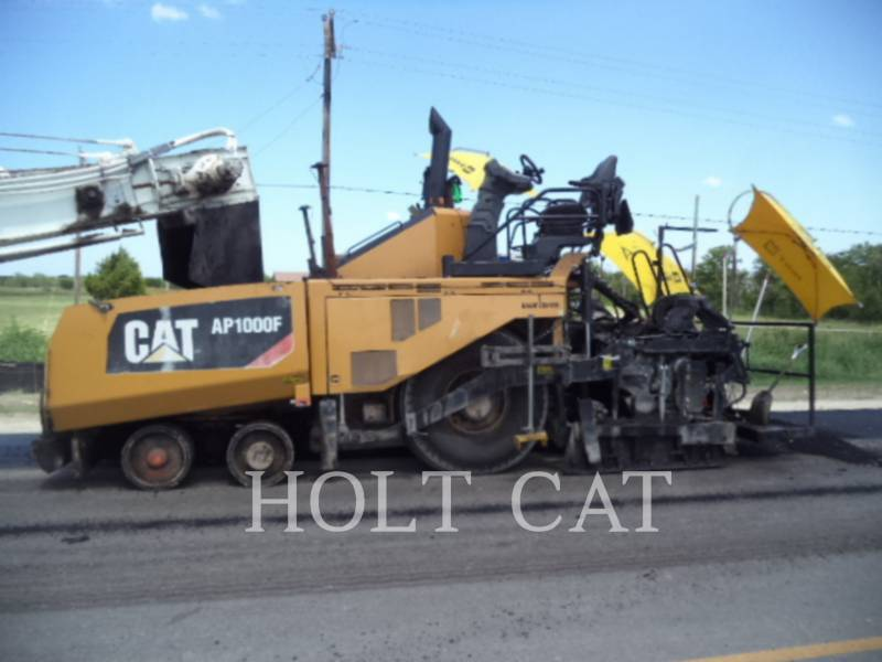 CATERPILLAR VIBRATORY SINGLE DRUM ASPHALT AP1000F equipment  photo 1