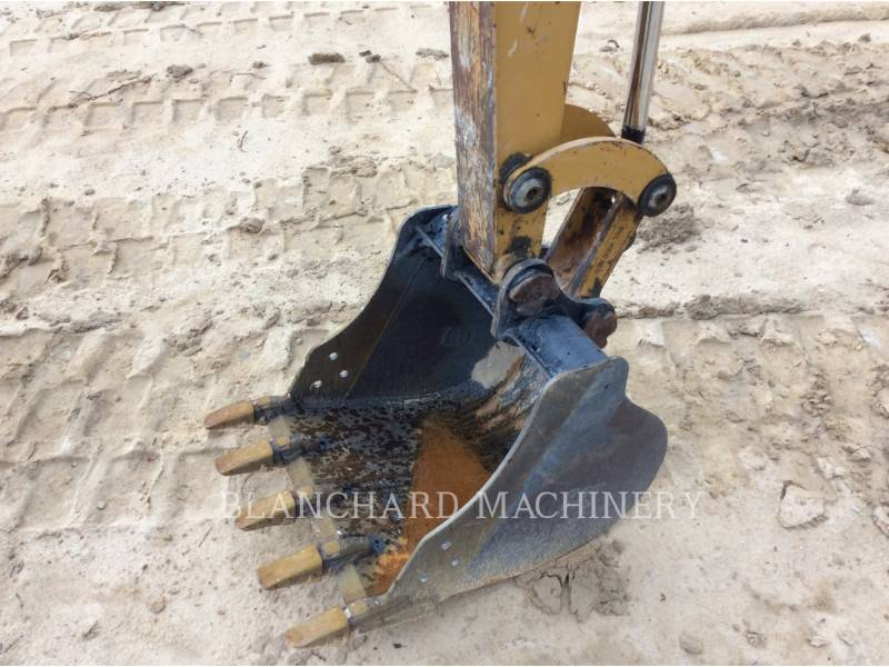 CATERPILLAR TRACK EXCAVATORS 303.5E equipment  photo 7
