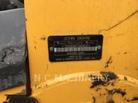 JOHN DEERE SKID STEER LOADERS 323D equipment  photo 6