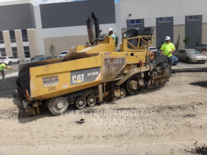 CATERPILLAR SCHWARZDECKENFERTIGER AP-1055D equipment  photo 1