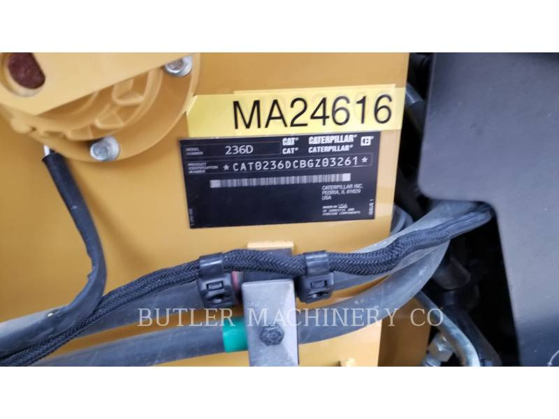 CATERPILLAR MINICARGADORAS 236 D equipment  photo 6