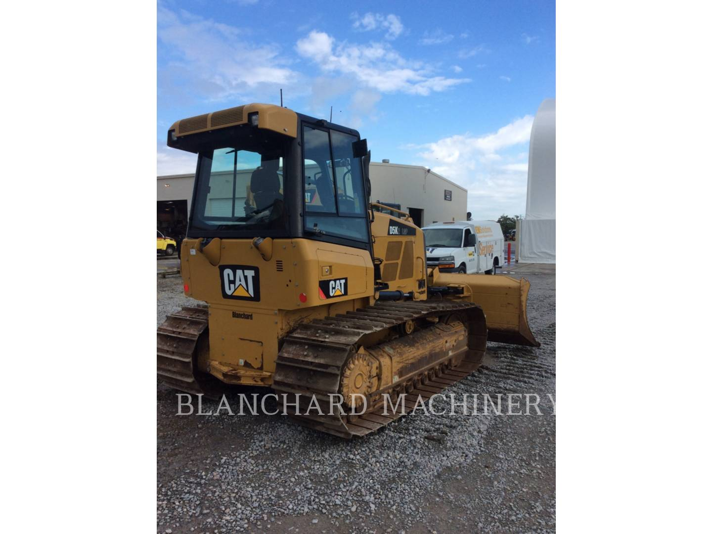 Detail photo of 2015 Caterpillar D5K LGP II from Construction Equipment Guide