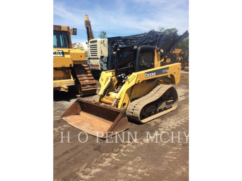 JOHN DEERE CHARGEURS TOUT TERRAIN CT332 equipment  photo 2
