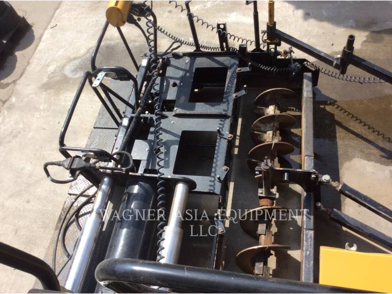 Caterpillar BETONIERE DE ASFALT AP-655D equipment  photo 12