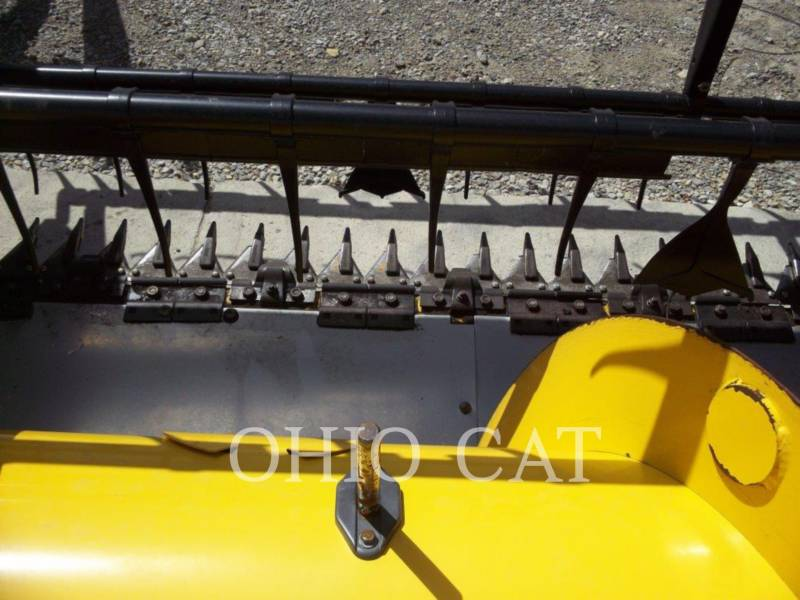 CASE/NEW HOLLAND COMBINADOS 74C equipment  photo 18