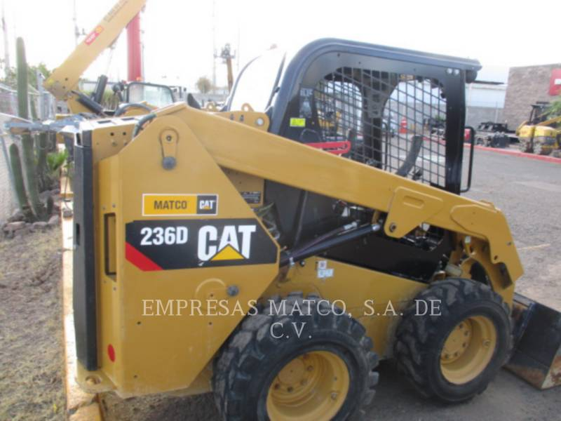 CATERPILLAR SKID STEER LOADERS 236DLRC equipment  photo 6