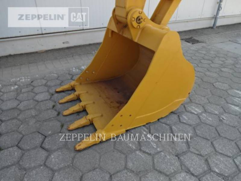 CATERPILLAR ESCAVATORI CINGOLATI 323D2L equipment  photo 10
