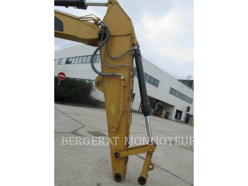CATERPILLAR TRACK EXCAVATORS 325F CR equipment  photo 16