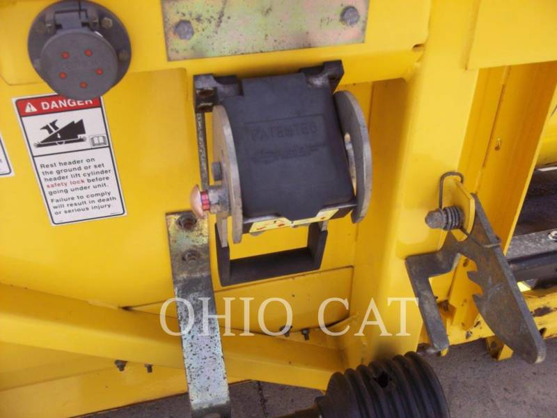 CASE/NEW HOLLAND COMBINADOS 74C equipment  photo 19