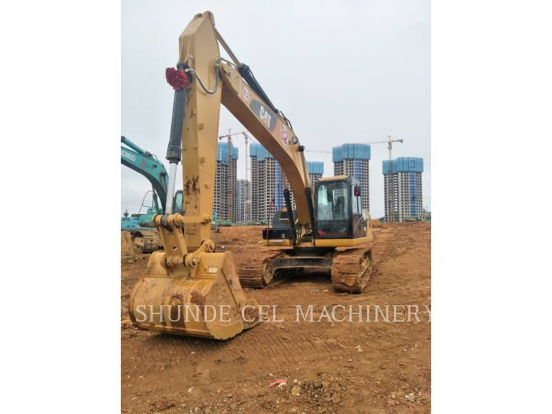CATERPILLAR TRACK EXCAVATORS 323D2L equipment  photo 1