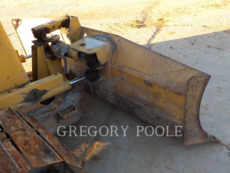 CATERPILLAR KETTENDOZER D3G equipment  photo 4