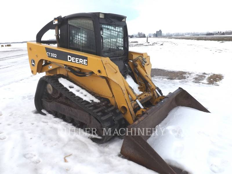 DEERE & CO. SKID STEER LOADERS CT332 equipment  photo 2