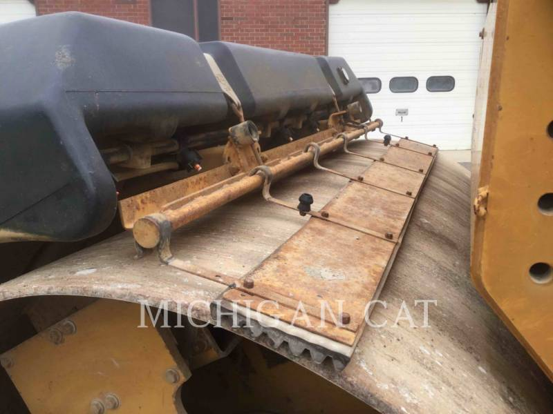 CATERPILLAR TANDEMVIBRATIONSWALZE, ASPHALT CB-534C equipment  photo 16