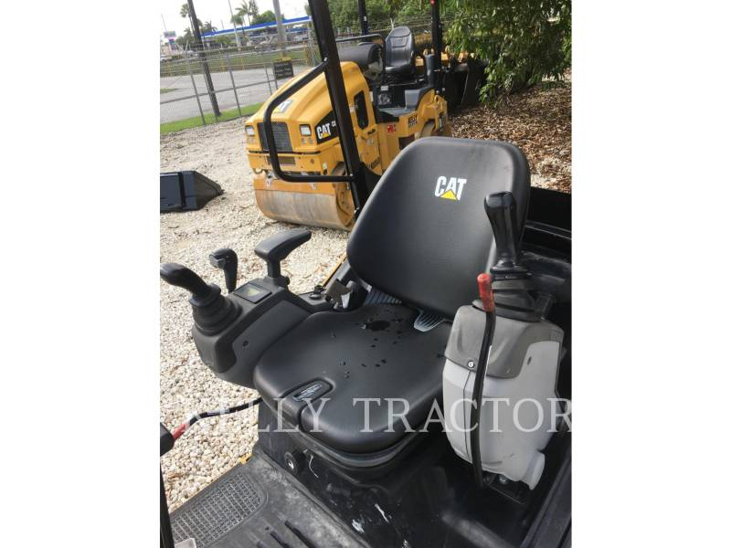 CATERPILLAR TRACK EXCAVATORS 301.7D equipment  photo 12