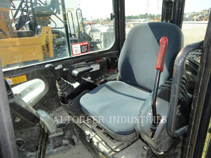 JOHN DEERE KETTEN-HYDRAULIKBAGGER 50D equipment  photo 10