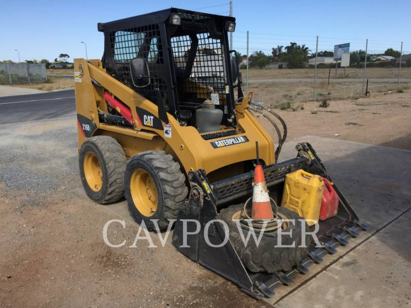 CATERPILLAR CHARGEURS COMPACTS RIGIDES 216B2 equipment  photo 1