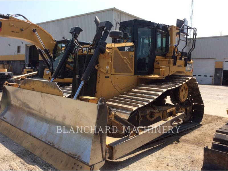 CATERPILLAR TRATTORI CINGOLATI D6T equipment  photo 1