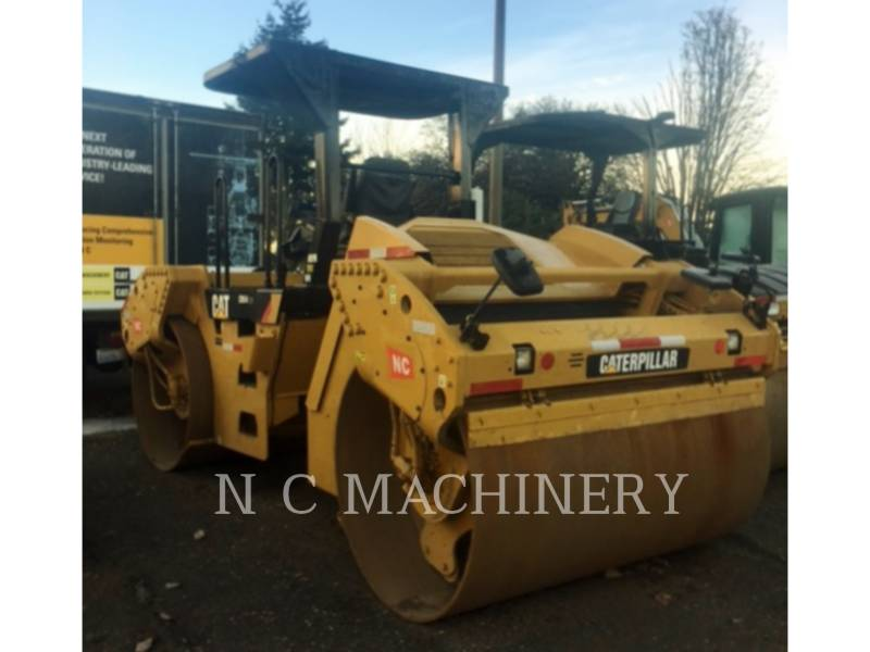 CATERPILLAR ASPHALT PAVERS CB54 equipment  photo 4