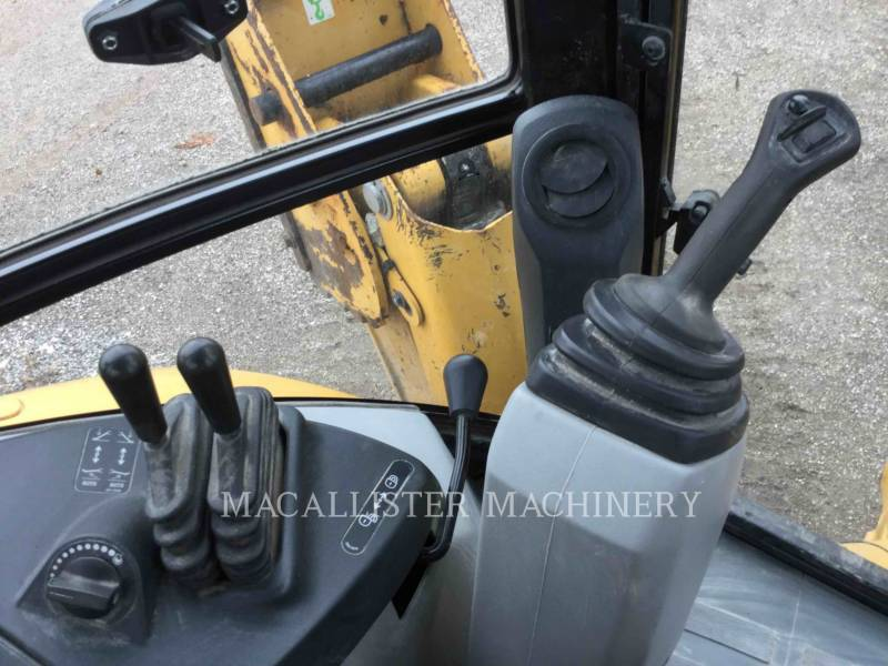CATERPILLAR BAGGERLADER 420FST equipment  photo 16