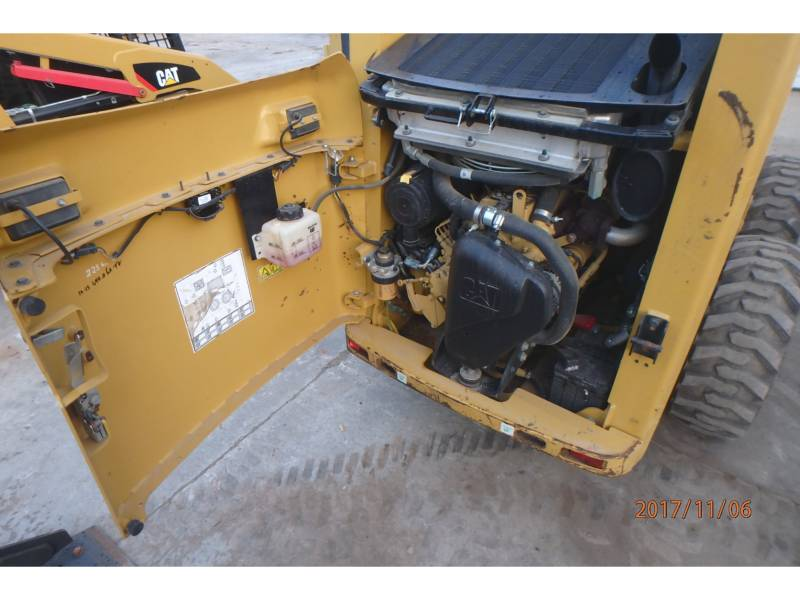 CATERPILLAR CHARGEURS COMPACTS RIGIDES 226B3 equipment  photo 11