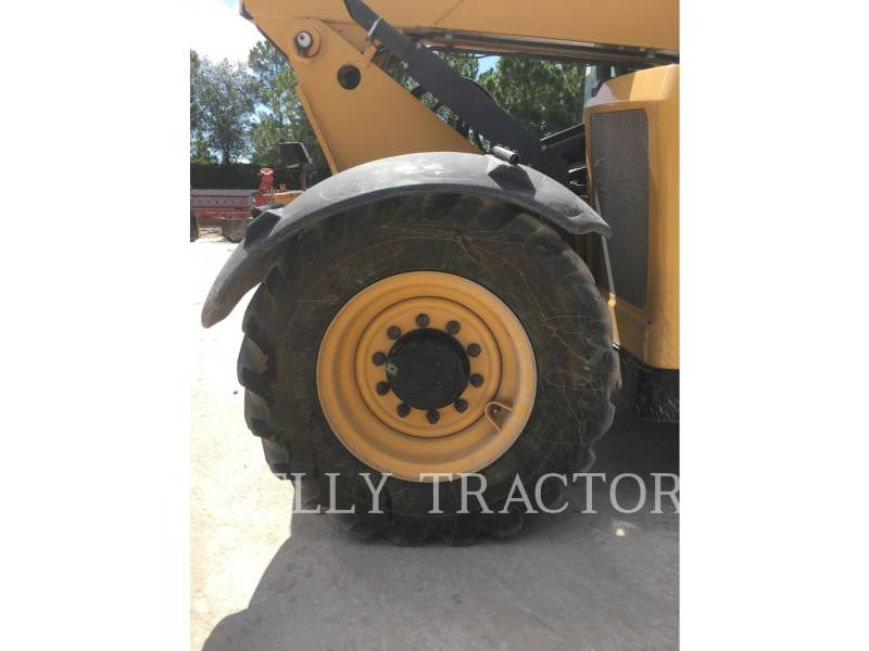 Caterpillar STIVUITOR TELESCOPIC TL642C equipment  photo 11