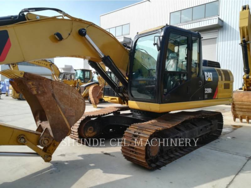 CATERPILLAR PELLES SUR CHAINES 320D2GC equipment  photo 2