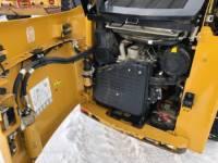 CATERPILLAR スキッド・ステア・ローダ 242B3 equipment  photo 14