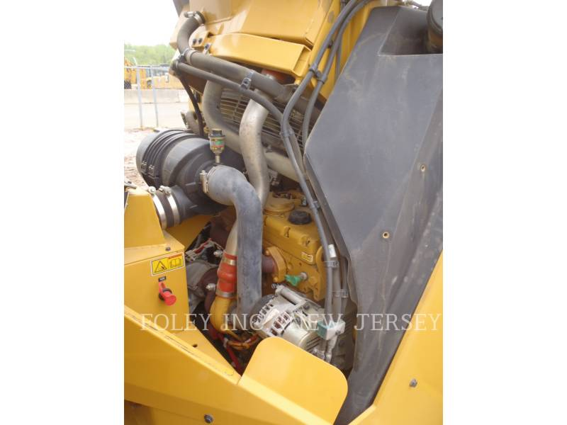 CATERPILLAR TAMBOR DOBLE VIBRATORIO ASFALTO CB64 equipment  photo 11