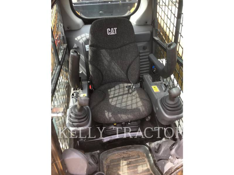 CATERPILLAR SKID STEER LOADERS 272D2 equipment  photo 9